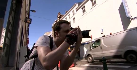 """""""Dans Liège"""" : une enquête autour des photos de rue de FX Cardon"""