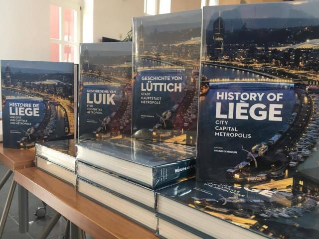 """""""LE"""" livre d'Histoire de Liège"""