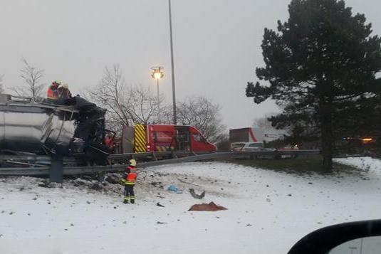 Un chauffeur de camion tué sur l'autoroute E313 à Milmort