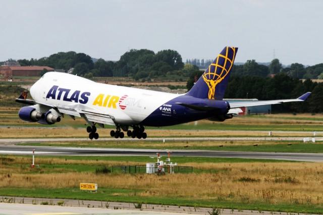 Réacteur en feu sur un avion cargo décollant de Liège Airport