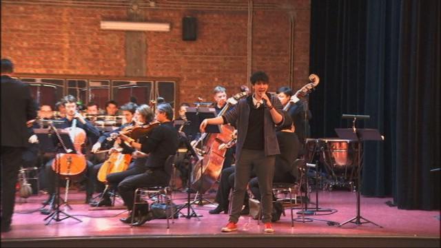 Orchestre Philharmonique et slam, étonnant mélange