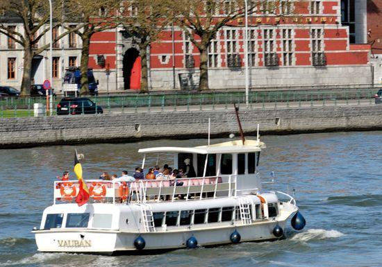 Nouveau bateau, l'Atlas V, pour plus de navettes fluviales à Liège