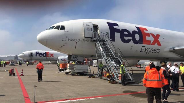 Premiers avions FEDEX stationnés à Liège Airport