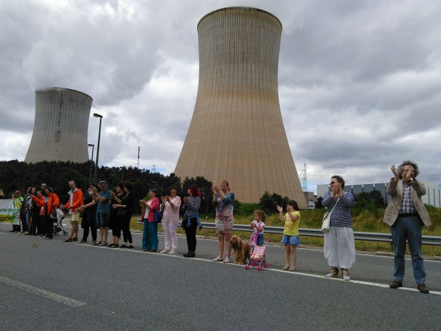 Réaction en chaîne : 50 000 manifestants contre le nucléaire