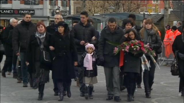 Fusillade Saint Lambert : les familles attaquent l'Etat belge