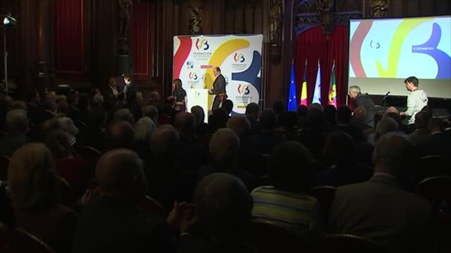 "Fédération Wallonie-Bruxelles : ""Tenir la barre"""