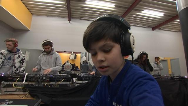 Seraing: une formation de DJ donnée par un pro du mix