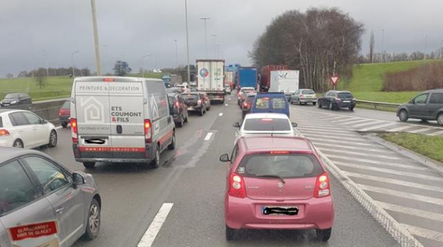 Gros soucis de circulation sur la E40 à Vottem