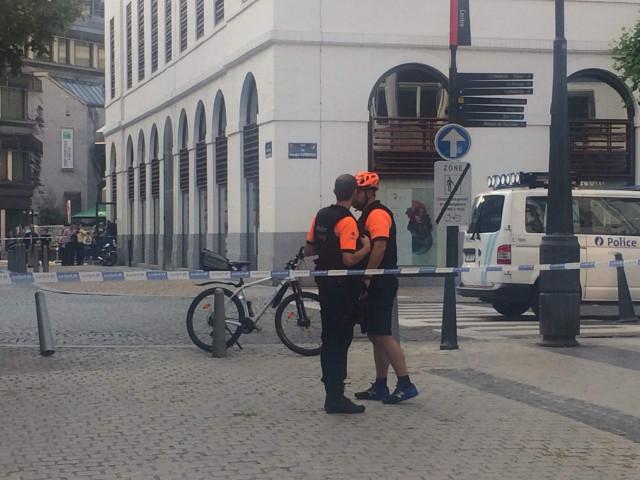 Des armes trouvées dans une voiture à Liège (vidéo)