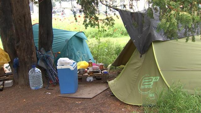 De plus en plus de tentes à Saint-Léonard !