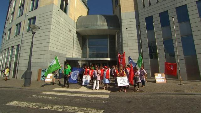 Grève des femmes d'entretien au Palais de Justice