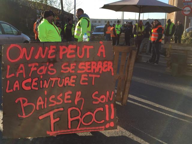 Gilets jaunes  : blocage du port pétrolier de Wandre