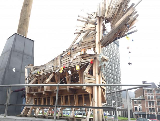 Liège: venez décorer ce 'cheval de Noël' !