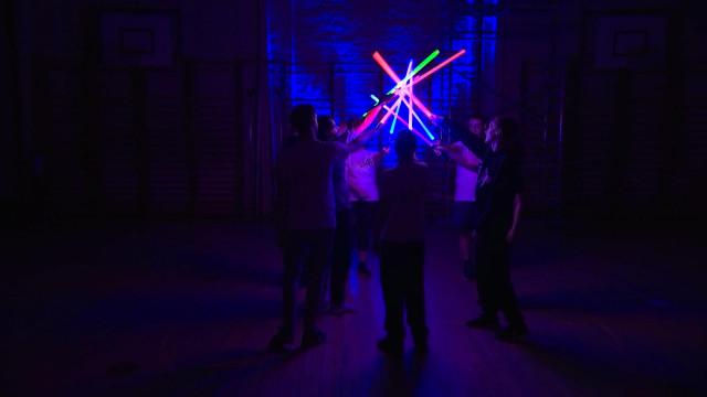 Seraing: Une école de sabre laser !