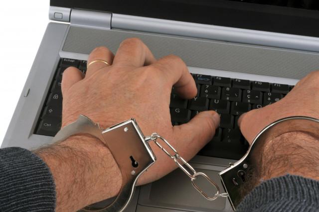 Un auteur d'escroqueries sur Internet condamné à 10 mois avec sursis