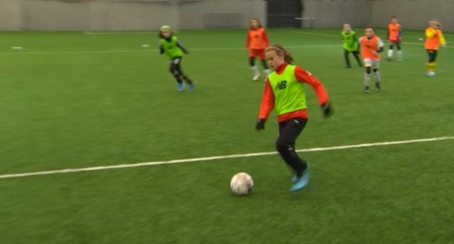 Le Standard développe le football féminin