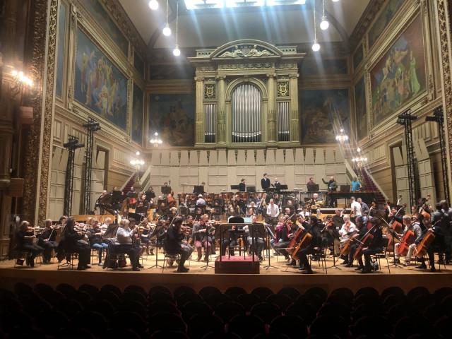 Tram : l'orchestre philharmonique ira faire ripaille à Saint Léonard