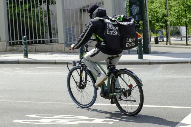Carrefour et Uber Eats étendent leur partenariat à la Belgique