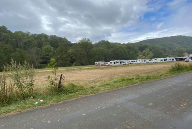 Les 75 caravanes laissent un terrain propre à Esneux et s'établissent à Xhoris