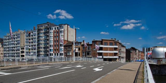 Deux policiers désincarcérés de leur véhicule de fonction après un accident à Liège