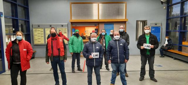 Fermeture des guichets SNCB : manifestation à la gare de Ans