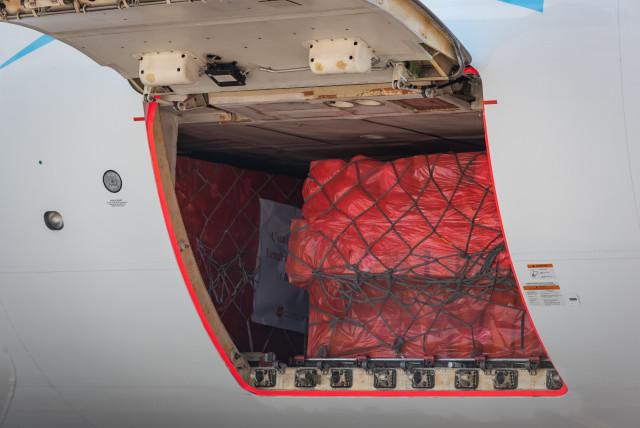 6 millions de masques arrivés à Liège Airport