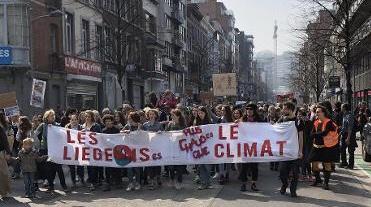 7000 personnes paradent pour le climat à Liège
