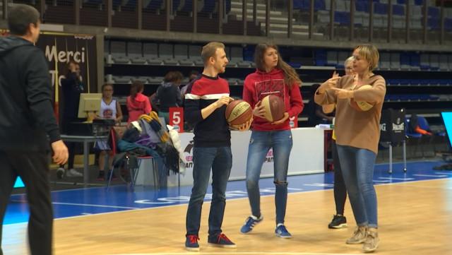 Les Liège Panthers initient à la langue des signes