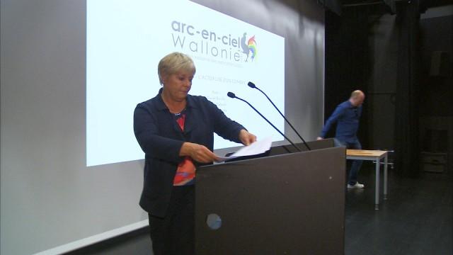 Arc-en-ciel : 10 ans d'action LGBT et un groupe d'action scolaire