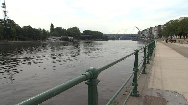 La Meuse est encore loin d'être un lieu de baignade