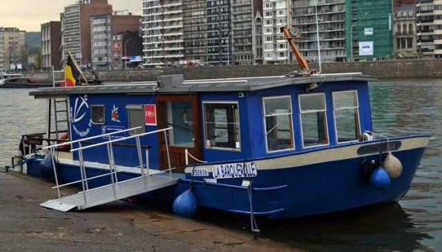 La Barquerolle : navette fluvialee pour personnes à mobilité réduite