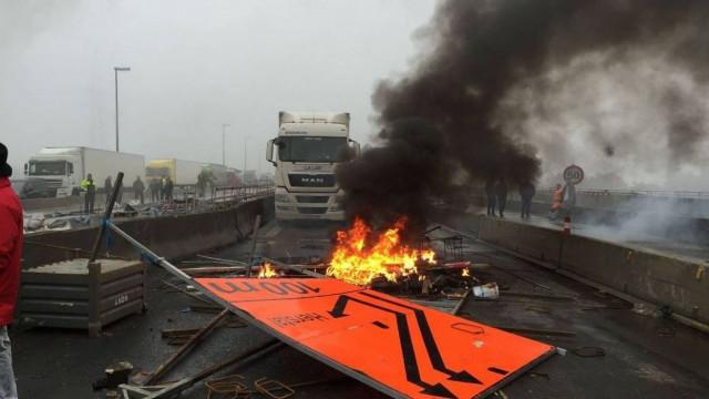 Blocage de la E40 en 2015 : 17 syndicalistes condamnés