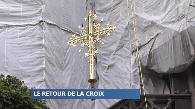 Cathédrale : le retour de la croix