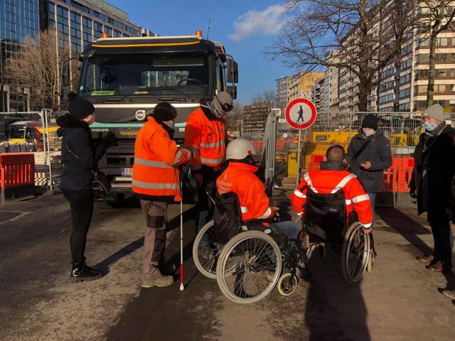 Chantier du tram : collaboration avec les personnes à mobilité réduite