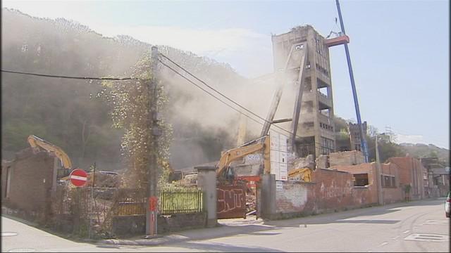 Charbonnage du Hasard : la démolition de la tour est en cours