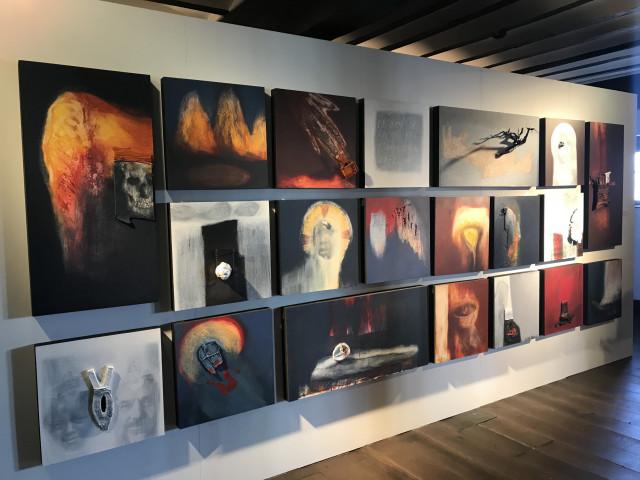 Costa Lefkochir: quand l'artiste se dévoile