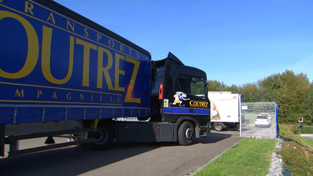 20 000 autocollants pour sensibiliser aux angles morts des camions