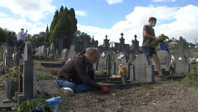 Des bénévoles pour nettoyer le cimetière de la Buissière