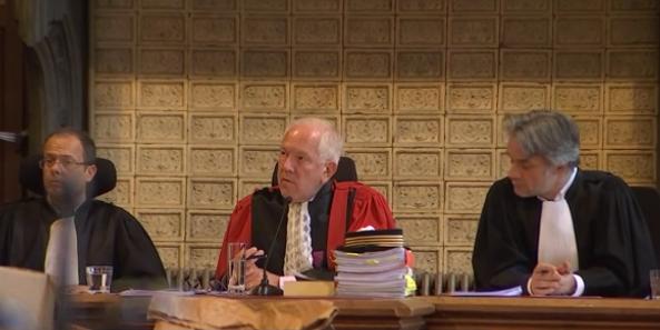 Double aveu à la Cour d'assises.