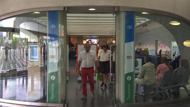 Gare des Guillemins : guichet commun SNCB - TEC - Tourisme Liège