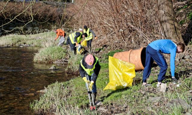 Grand nettoyage de printemps en Wallonie: 250 tonnes de déchets sauvages ramassées
