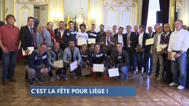 Hommage au RFC Liège pour sa montée en D1 amateur