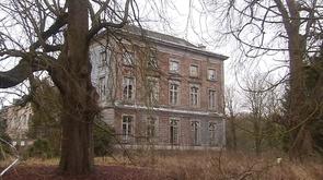 Marchin : le château de Vyle en piteux état