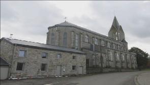 Ferrières : un clocher en inox pour son église