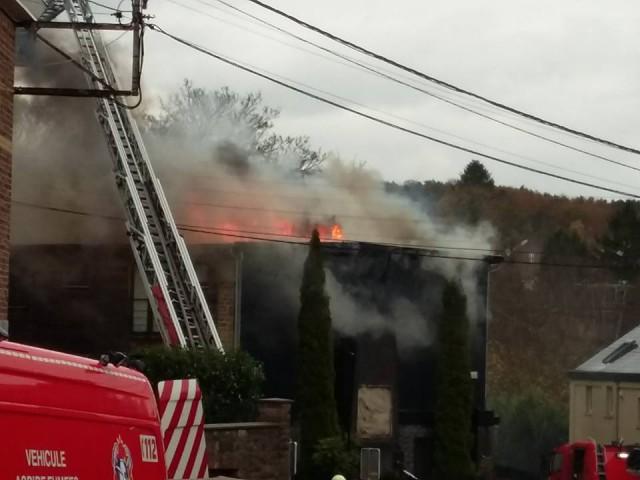 Important incendie à Antheit : le feu est maîtrisé (update) .