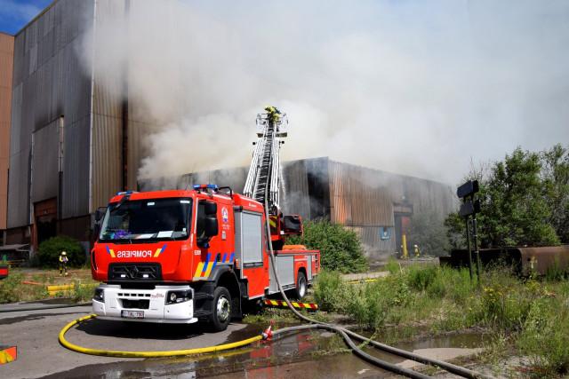 Incendie ce matin d'un entrepôt sur le site de l'ancienne usine ArcelorMittal à Chertal