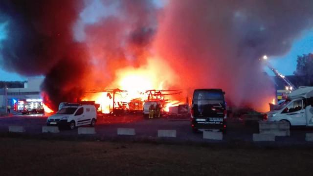 Important incendie dans le zoning de Grâce-Hollogne