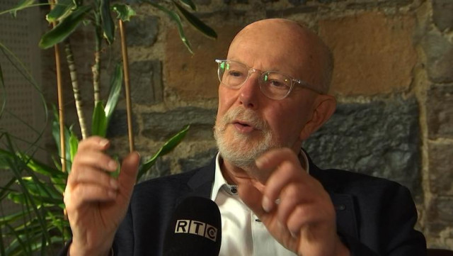 """Jean-François Kahn : """"Raccrochez, c'est une erreur !"""""""