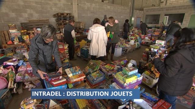 Distribution des jouets collectés dans les recyparcs
