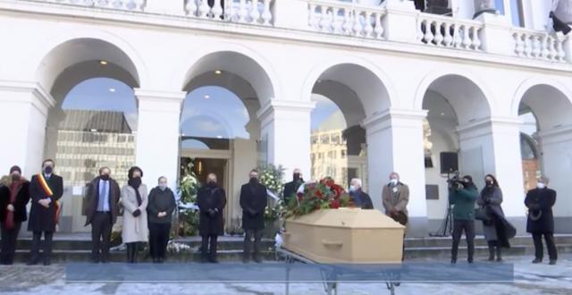 L'émouvant adieu au maestro Stefano Mazzonis